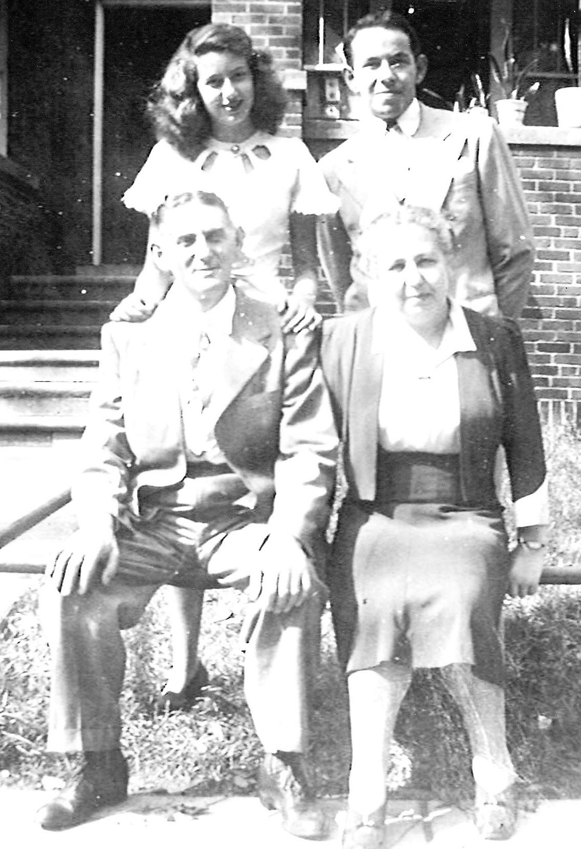 1947 Anna, Fred, Morris und Helen