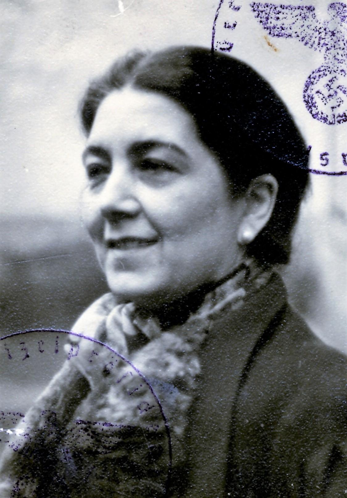 Hedwig Mezger, 1938.