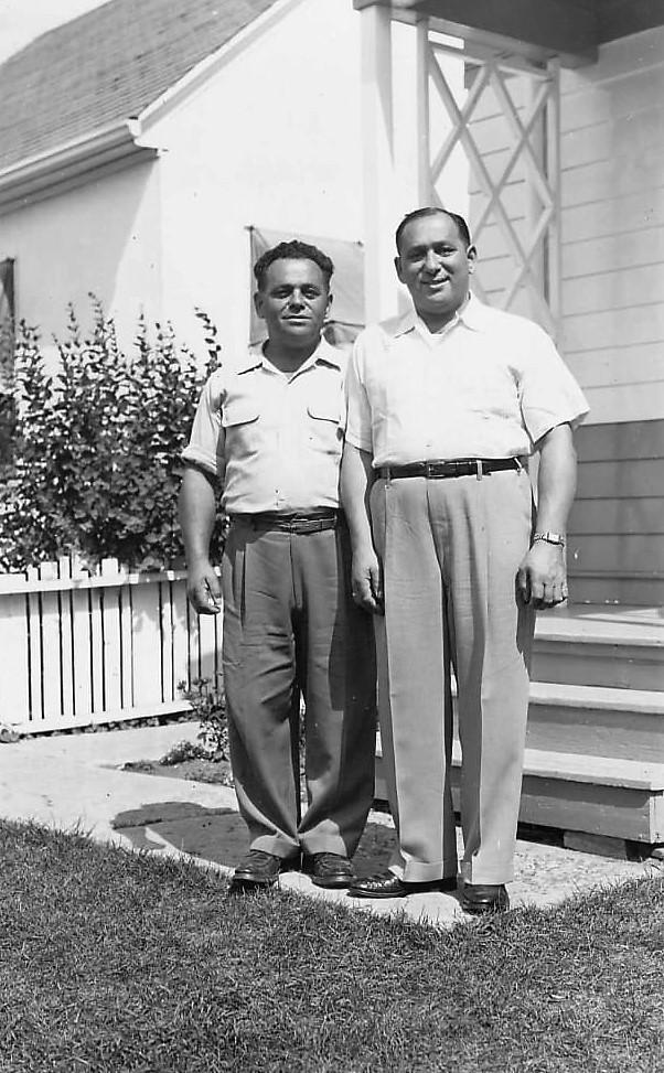 Julius (links) und Josef Weil in Edmonton, Kanada.