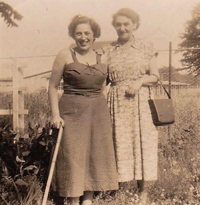 Rita Pfeiffer und Irma Spatz, vermutlich in den 1930er Jahren in Schwäbisch Hall