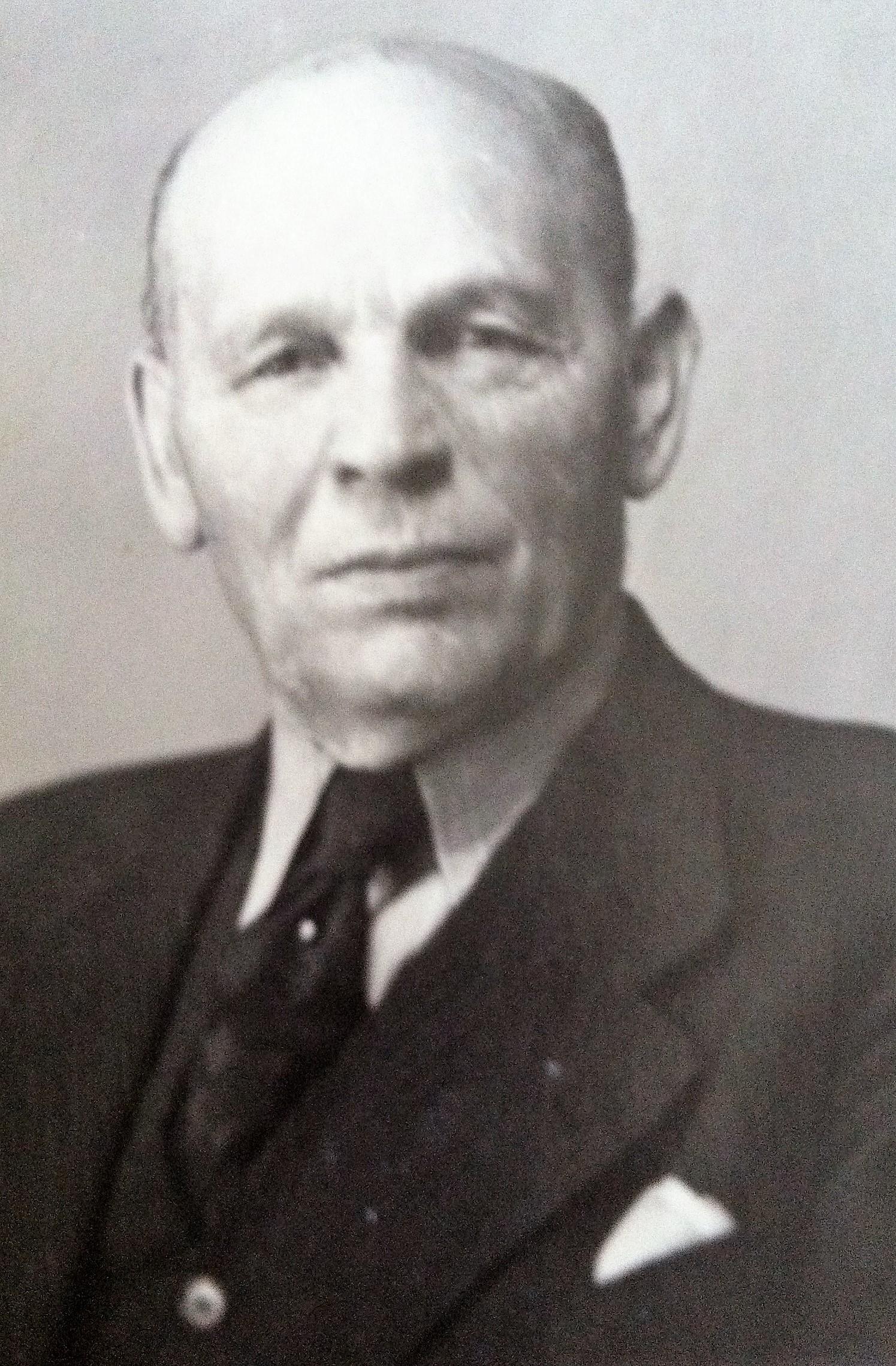 Max Weil.